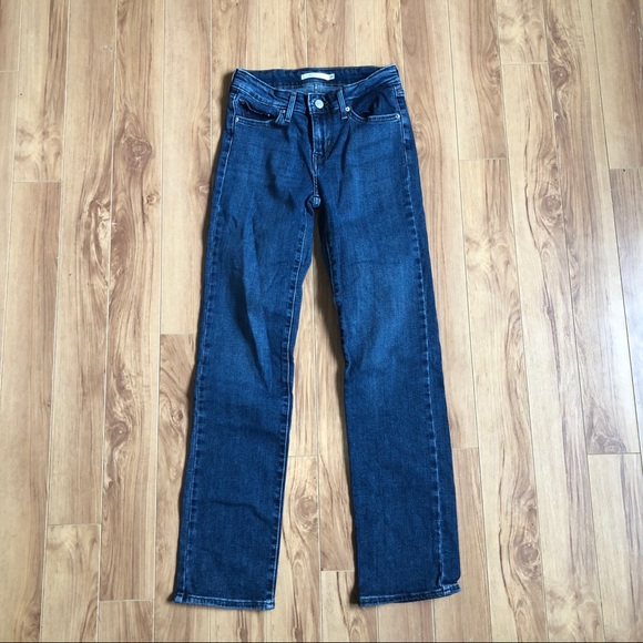 Levi's Womens Jeans 714 Straight Size 26